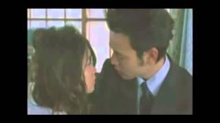 ドラマや映画で活躍の、妻夫木聡と池脇千鶴の濃厚で激しいキスシーン!...