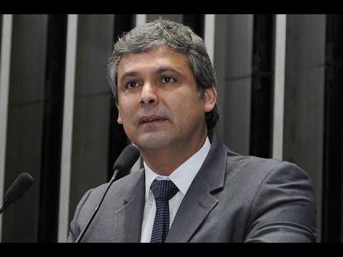 Lindbergh Farias critica redução dos programas sociais pelo governo Temer