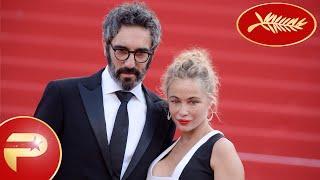 Cannes 2015 - Emmanuelle Béart radieuse pour la montée des marches.