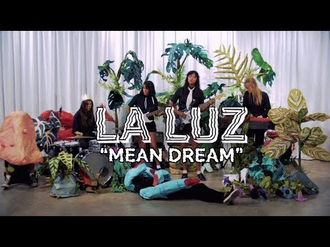 "La Luz - ""Mean Dream"" [OFFICIAL VIDEO]"