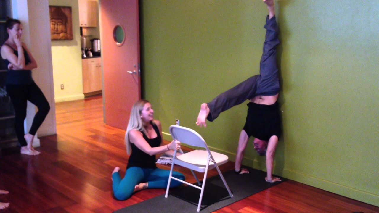 Handstand with the assist of a yoga chair youtube for Furniture yoga