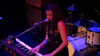 TÉA - SIMPLIFY - The Venue 2009