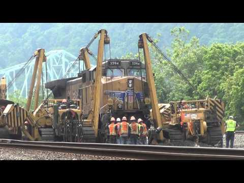 Re railing Union Pacific AC4400CWCTE #5594 @ Sewickley, PA derailment site.  7/3/14 00021