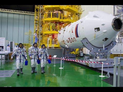 Первая «примерка» корабля «Союз МС-15»
