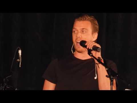 Jake Abel and Kim Rhodes Sing Save Tonight SNS Torcon 2016