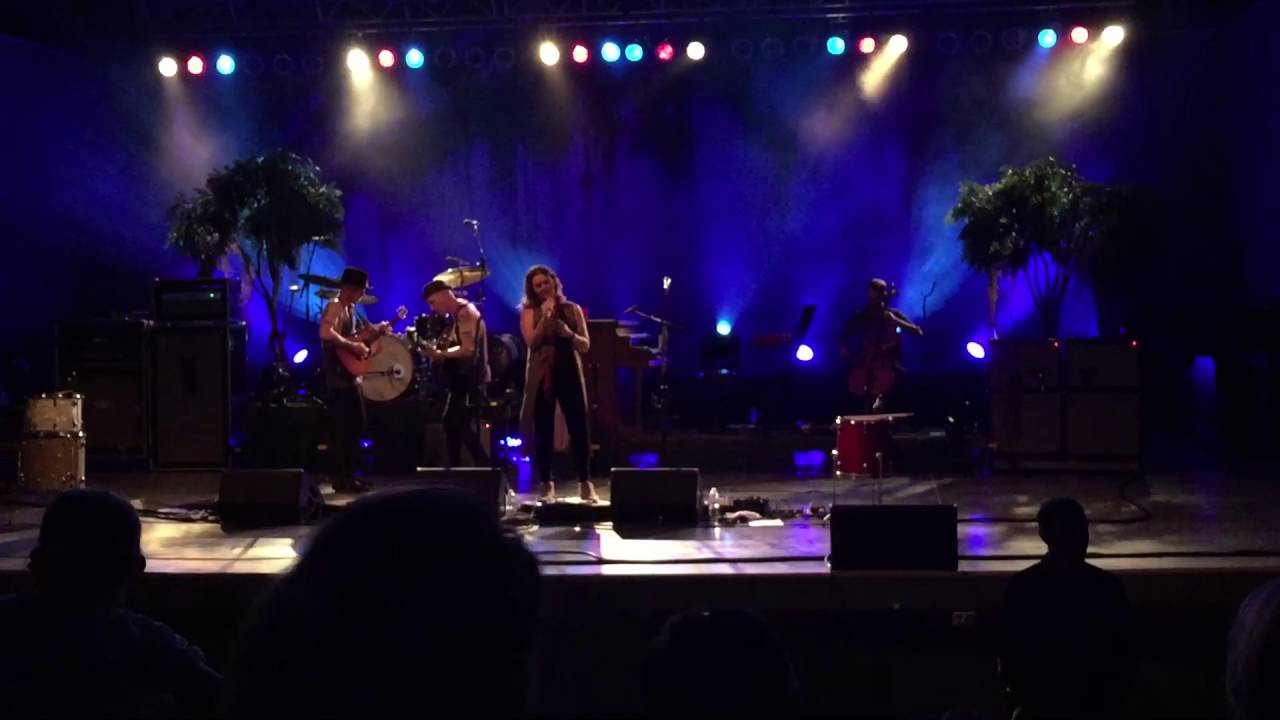 brandi-carlile-going-to-california-live-at-sumtur-amphitheater-omaha-ne-6-10-2016-shawn-everidge