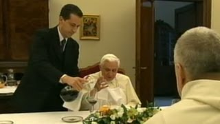 Vatican Scandal: Pope Bendict\'s Butler Arrested for Leaking Secret Papal Document