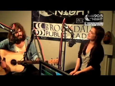 Angus And Julia Stone - Night Vision Performance (Live And Acoustic)