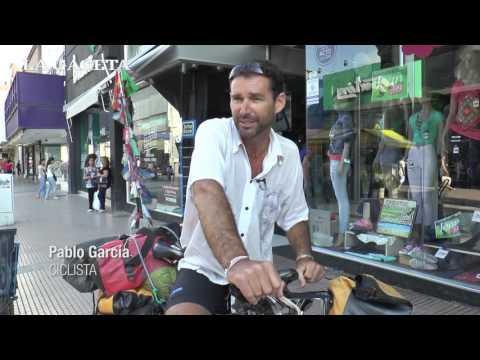 """""""Pedaleando el globo"""": un argentino recorrió 105 países en bicicleta"""