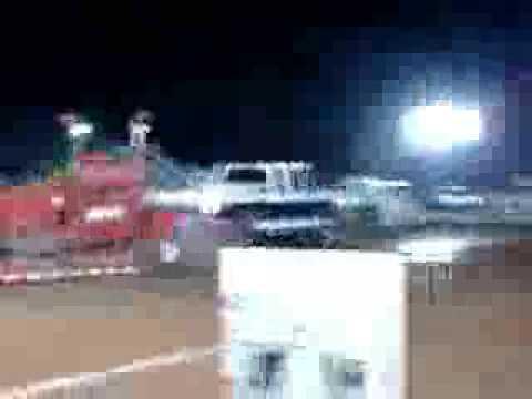 matt hatcher at dragon motorsports tractor pull