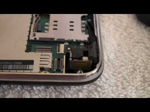 How To Replace a Battery on an Apple iPhone 3GS