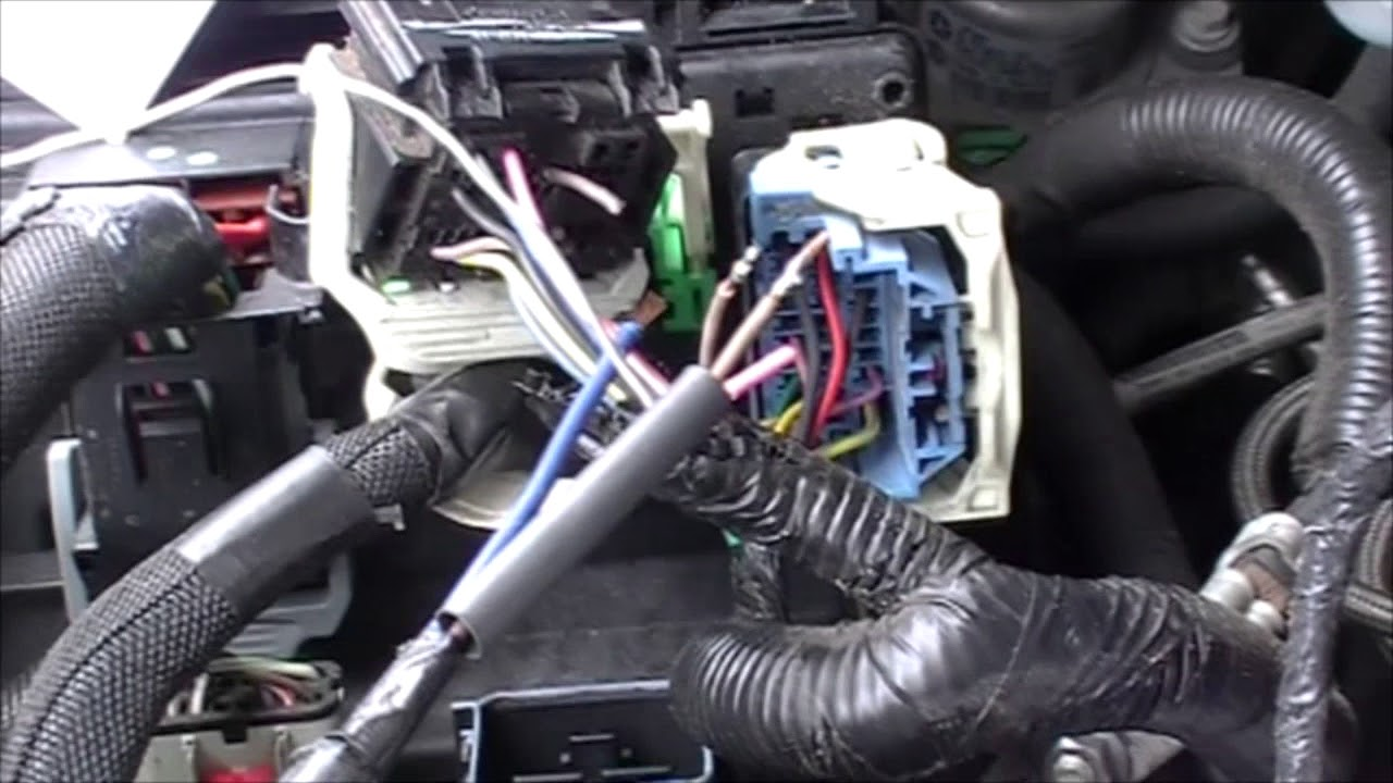 TIPM    2011    Chrysler     Dodge     town and country     Grand       Caravan     external fuel pump relay  YouTube
