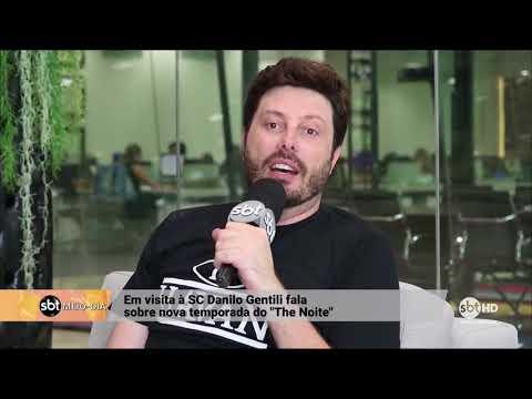 Leo Coelho entrevista o apresentador do SBT Danilo Gentili