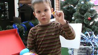 21 Кіндер Сюрприз відкриваємо пластикові шоколадні яйця іграшки Kinder Surprise