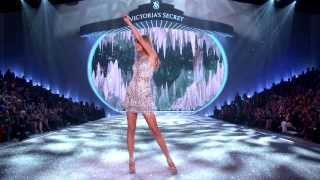 Video Highlights from the 2013 Victoria's Secret Fashion Show thumbnail