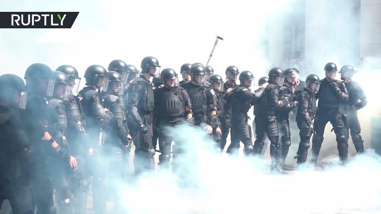 Дымовые шашки и слезоточивый газ: масштабные протесты в Киеве