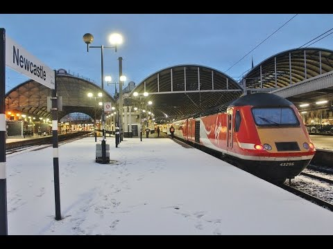 Early Morning Trains (and snow) at Newcastle Central Station - 13th January 2017