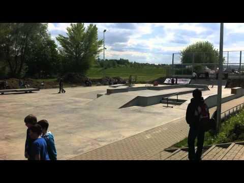 Veja o video -Nike Skateboarding Świdnica
