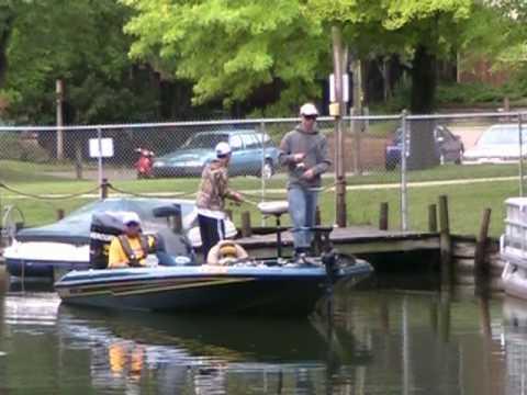 Wisconsin bassmasters youth fishing tournament 2010 youtube for Wisconsin fishing tournaments
