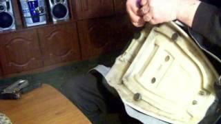 Скутер.Как перетянуть  сидения -своими руками сможет каждый..seat Skuter.Peretyazhka(seat Skuter.Peretyazhka.Видео-как перетянуть сидение на скутере, мото,вело ,авто,мебели..... ...своими руками.Дает практич..., 2016-01-23T11:13:00.000Z)