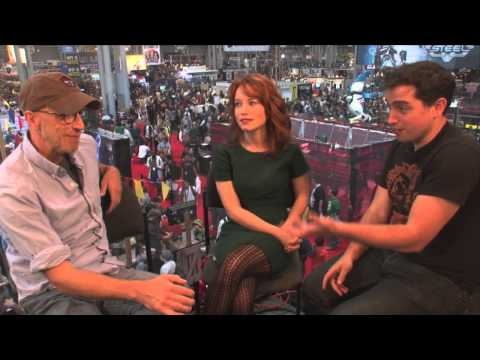 Chris Elliot and Maria Thayer Talk Eagleheart @ NYCC 2013  Video