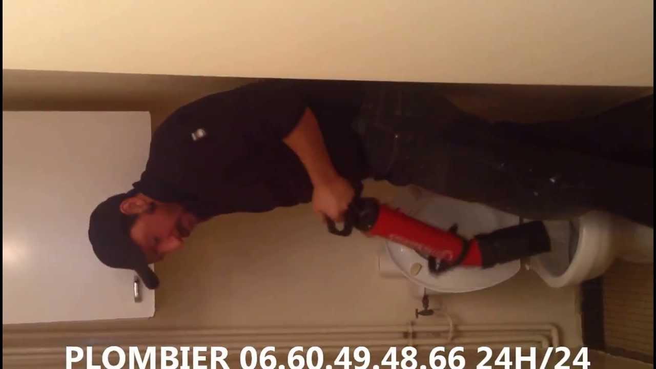 Comment d boucher un wc toilette youtube - Comment deboucher toilettes ...