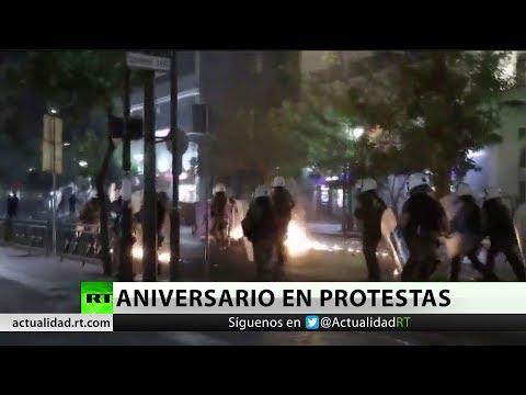 RT en Español: Protestas marcan el aniversario del asesinato de un rapero antifascista