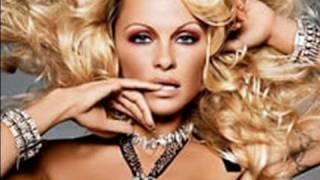 Celebrity Look: Pamela Anderson {Makeup Geek}