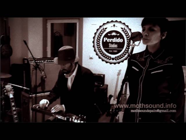 Moth Mic - The Real Retrophonic Sound - Steel Guitar & Vocals Demo