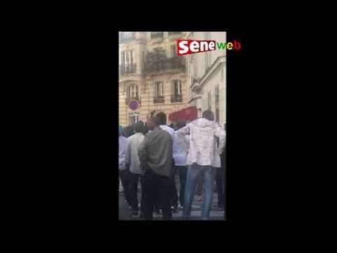 Macky Sall assiégée par les manifestants à Paris
