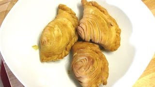 How To Make Traditional Malaysian Curry Puff ( Karipap Pusing )