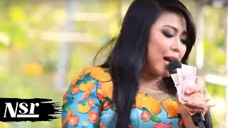 Video Wiwik Sagita - Cintai Aku Karena Allah (Caka) download MP3, 3GP, MP4, WEBM, AVI, FLV Oktober 2017