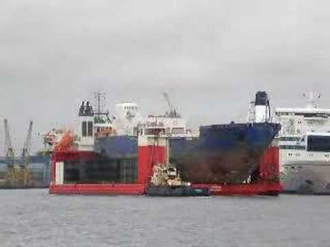 Heavy Lift Vessel 'Fjord' and 'Ice Maiden 1' - River Tyne
