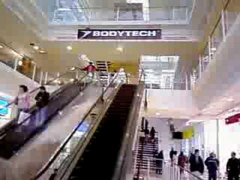 Escaleras Electricas En El Centro Comercial Hayuelos 2008