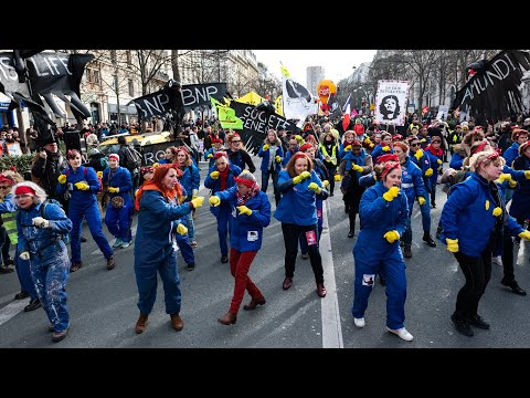 France's Anti-Neoliberal Protesters Get Their Second Wind