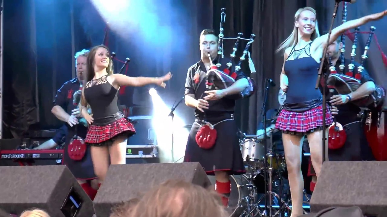 red chilli pipers girls scottish dancing at 2014 shrewsbury