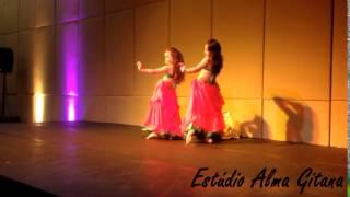 Mercado Persa 2014... Anna Fadah e Yasmin P. Zambuzi -1º lugar dupla infantil- Estúdio Alma Gitana