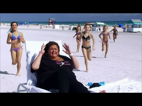 Dance Moms - Abby, The Girls and The Moms...In Miami! (S2 E10)
