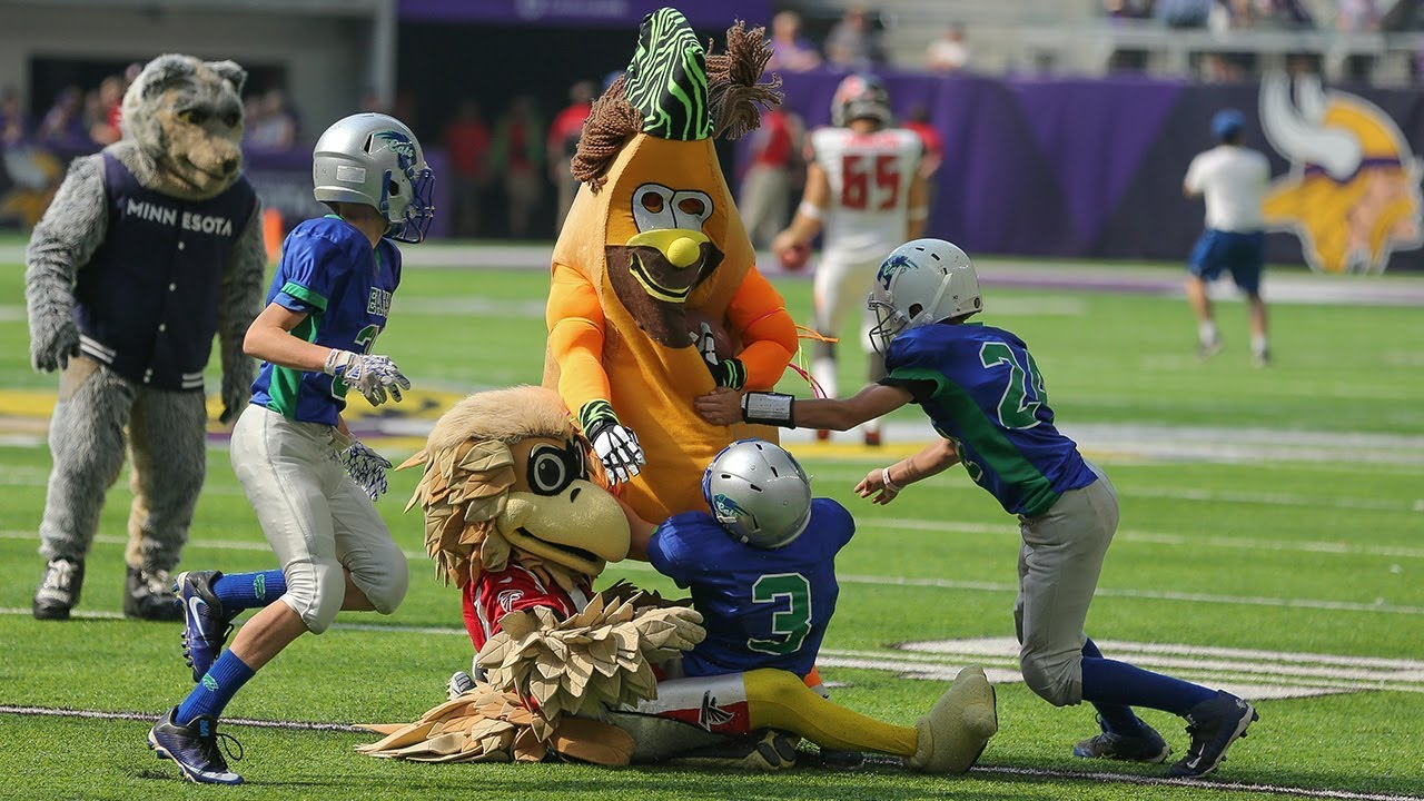 Highlights From Sunday's Mascot Game #1
