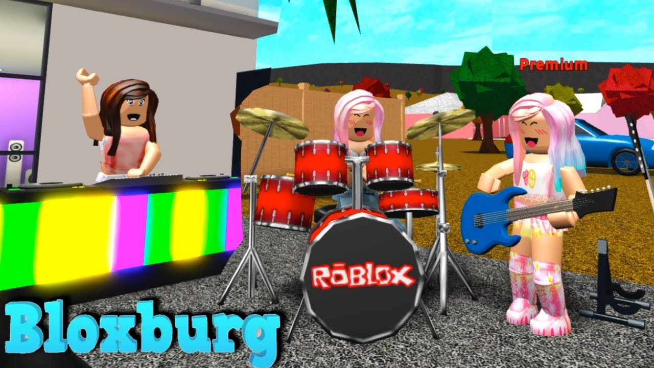 Bloxburg Roleplay Adventures With Fans Starting My Own Roblox