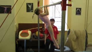 Спортивная гимнастика, 2 юношеский разряд у девочек. брусья.