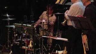 Rob Verdurmen op drums concert Willem Breuker Kollektief Bimhuis December 2005