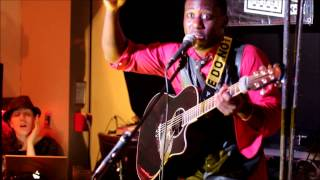 Guitaro 5000 covers No Diggity by Black Street *LIVE* at party (lyrics)