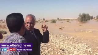'بكري' يرافق محافظ قنا ويتفقد طريق أسيوط الصحراوي.. فيديو