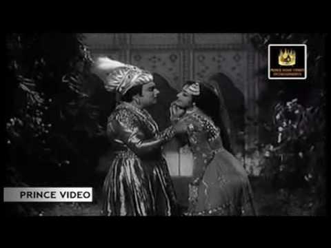 MGR & K.R. Vijaya - Pavazha Kodiyile - Panam Padaithavan