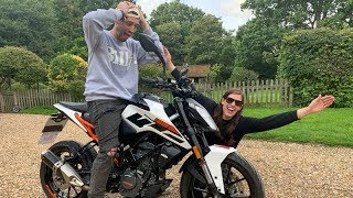 I BOUGHT MY BOYFRIEND A MOTORCYCLE! *BIG SURPRISE* 😱