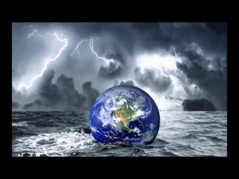 гроза в океане видео