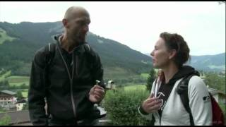 henrik-boserups-bjergk-kken-en-vandring-med-urterne-og-hvad-de-kanl-i-sommerferie-i-strig