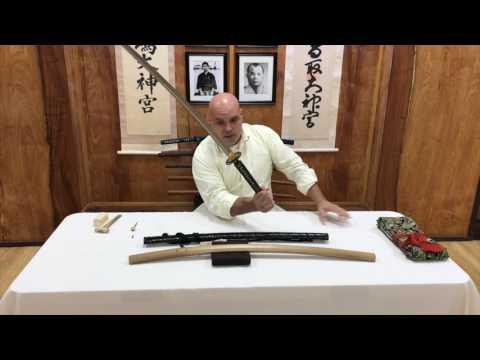 Removing The Handle / Tsuka of a Japanese Sword - NihontoAntiques.com #1