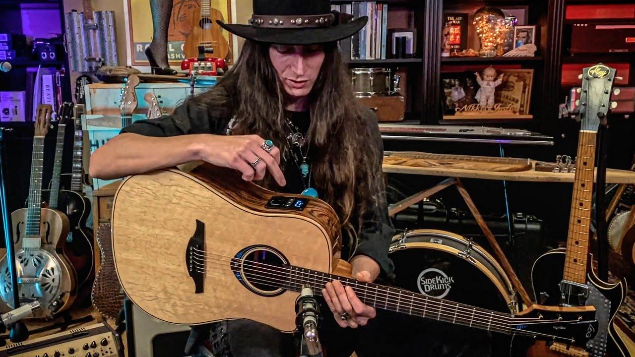 The Coolest Desert-Island-Guitar